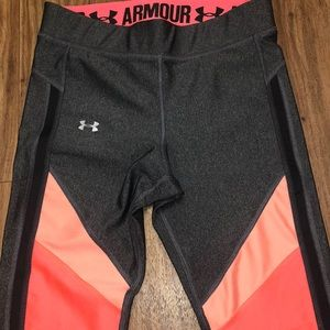 UNDER ARMOUR Cropped Workout Leggings